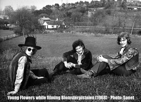 Young Flowers - publicity photo from the shooting of Blomsterpistolen - 1968 - Sonet/Claus Rasmussen collection
